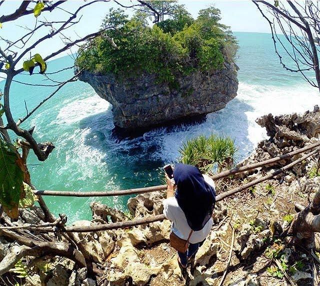 Pantai Karang Bokor, via instagram